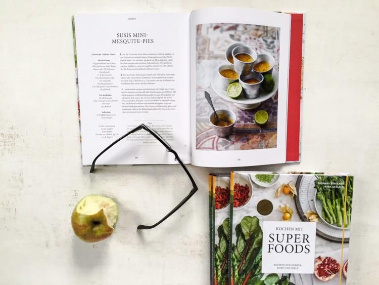 Superfoods Kochbuch Cover und innen