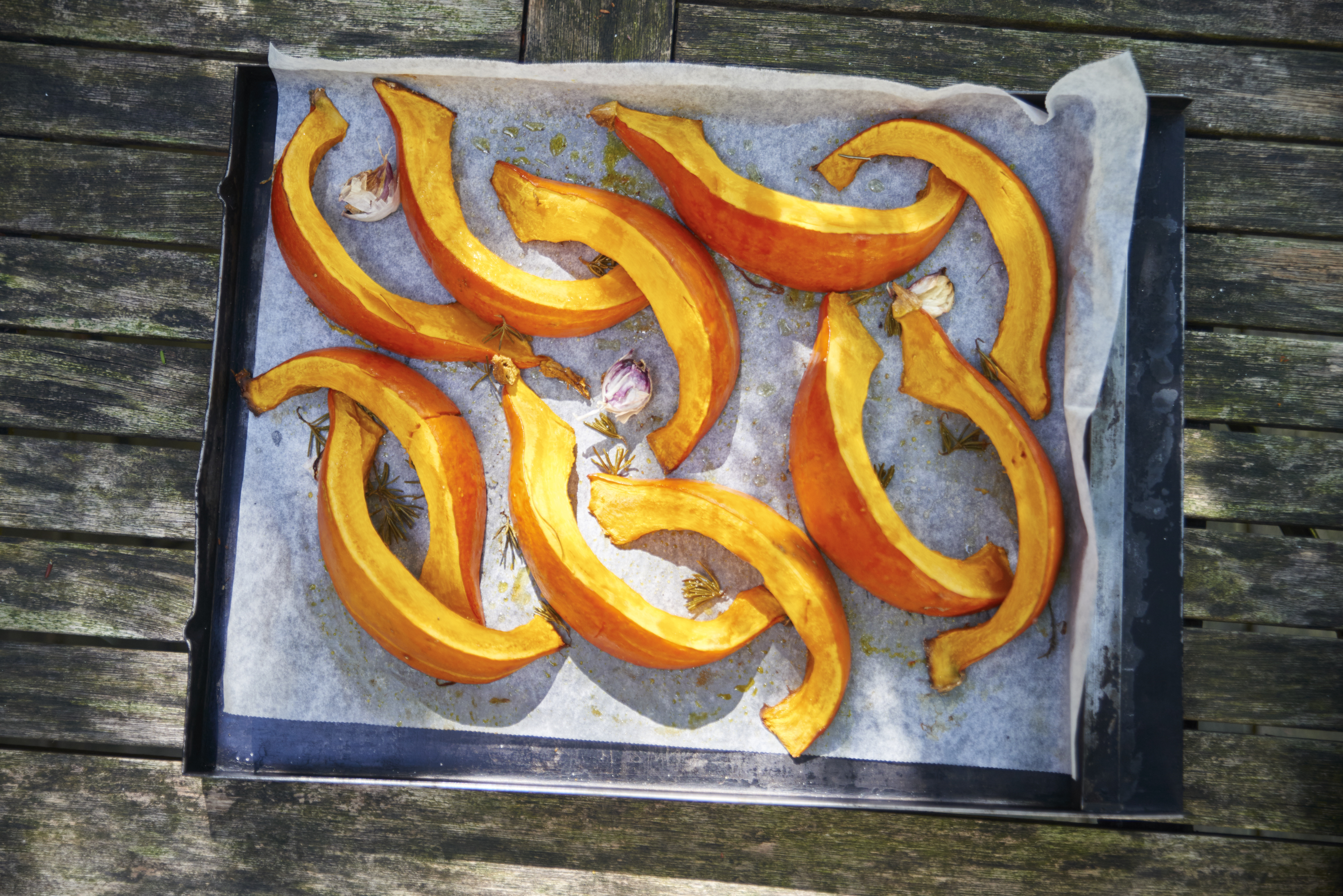 Kuerbisschnitze gebacken auf Blech