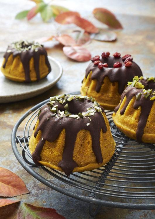 halloween-muffins-kuerbis-pumpkin-veganbacken-miniguglhupf-gesundbacken-vegan