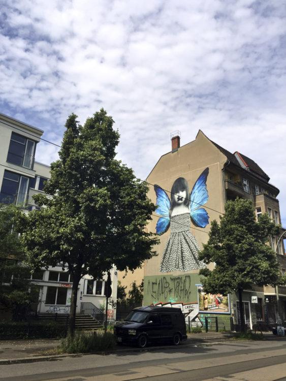 veggiehotel-berlin-friedrichshain-graffiti-almodovar-hotel
